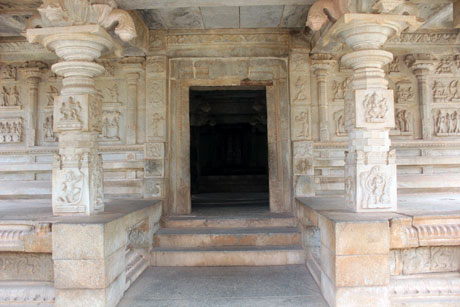 Amazing Temple Architecture at Hampi